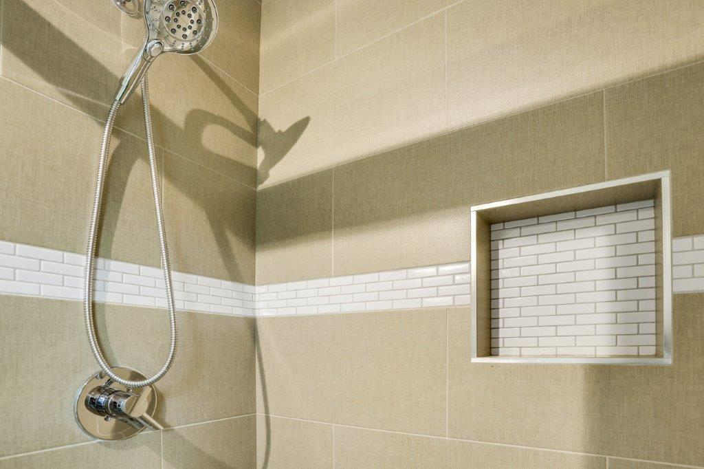 Minneapolis Modern Home Tile Shower with Built-in Niche