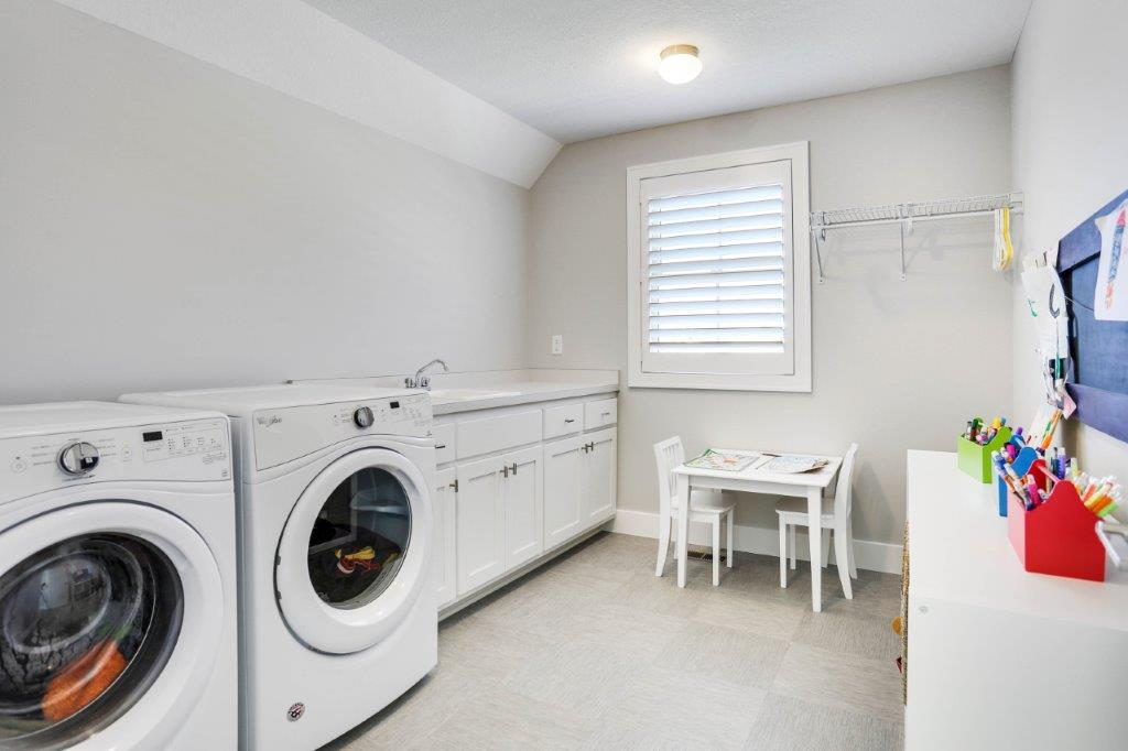 Royal Club Urban Farmhouse Laundry Room