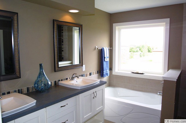 Spacious Master Bathroom